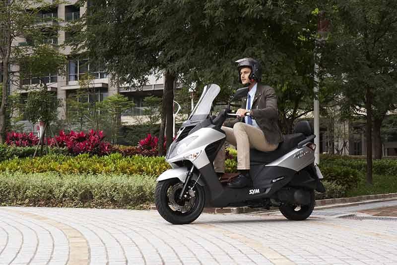 garage-bambou-scooter-3.jpg